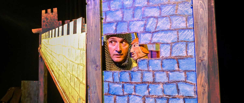 """Spiele zum Theaterstück """"Die Burg"""""""